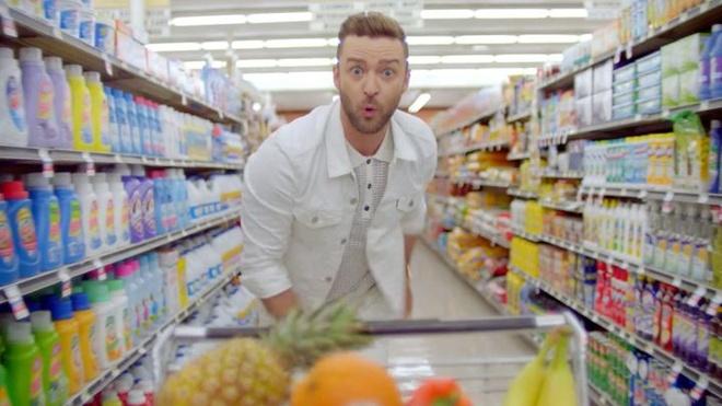 Justin Timberlake nhay nhot tung bung trong MV bom tan hinh anh