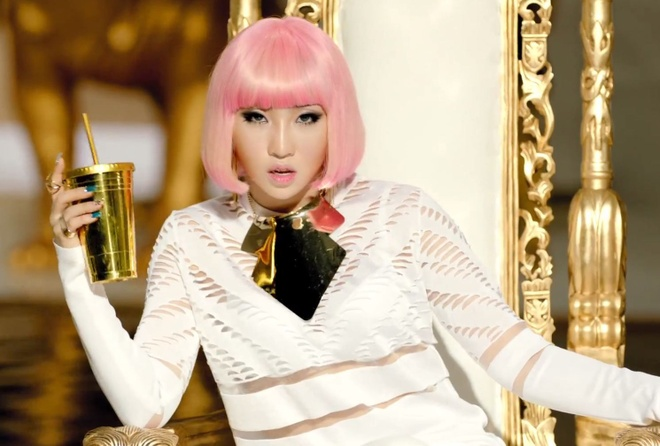 Minzy chung nha voi 'nu hoang nhac phim xu Han' hinh anh 1