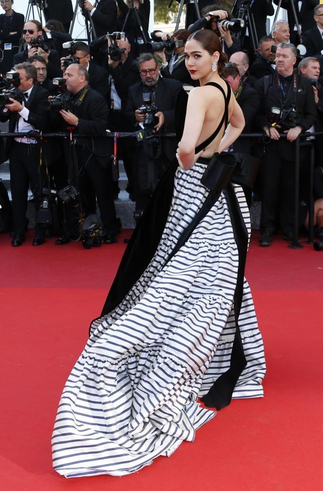 Vay dai duong cua Angela Phuong Trinh lot khoanh khac Cannes hinh anh 14