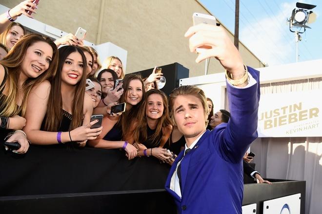 Tu chuyen Justin Bieber thay minh la 'dong vat vuon thu' hinh anh