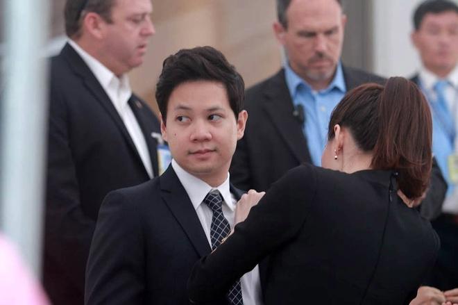 Hoa hau Thu Thao va ban trai rang ro don Tong thong Obama hinh anh 3