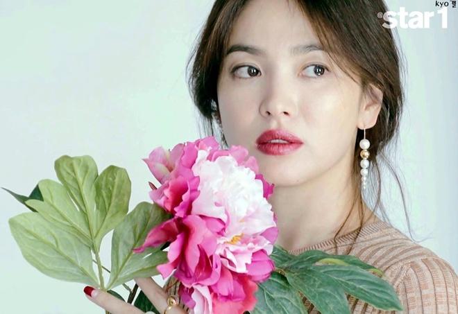 Song Hye Kyo dep nao long o tuoi 35 hinh anh 1