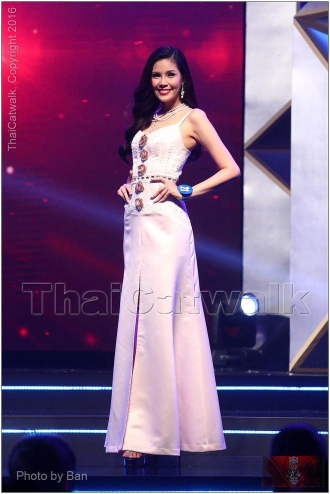 Thi sinh tung bi loai bat ngo dang quang Hoa hau Thai Lan hinh anh 7