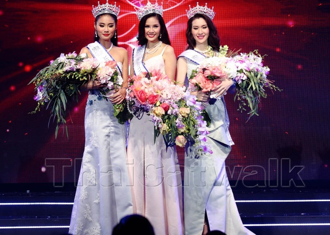 Thi sinh tung bi loai bat ngo dang quang Hoa hau Thai Lan hinh anh 4