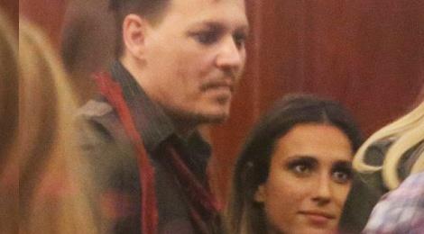 Johnny Depp tiec tung voi gai la luc rang sang hinh anh