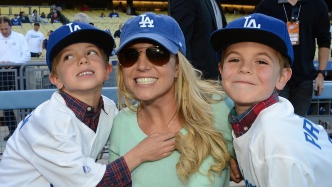 Britney 3.0: Cuoc lot xac ngoan muc hinh anh 4