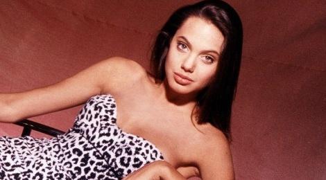 Ve dep goi cam cua Angelina Jolie khi moi 15 tuoi hinh anh