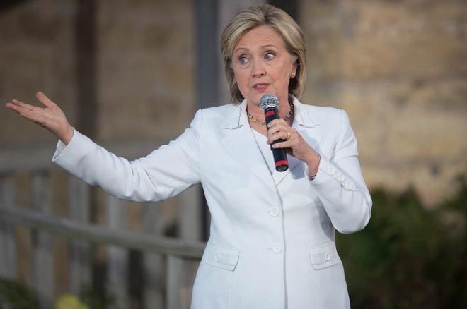 Hillary Clinton mac do hieu noi ve bat binh dang hinh anh