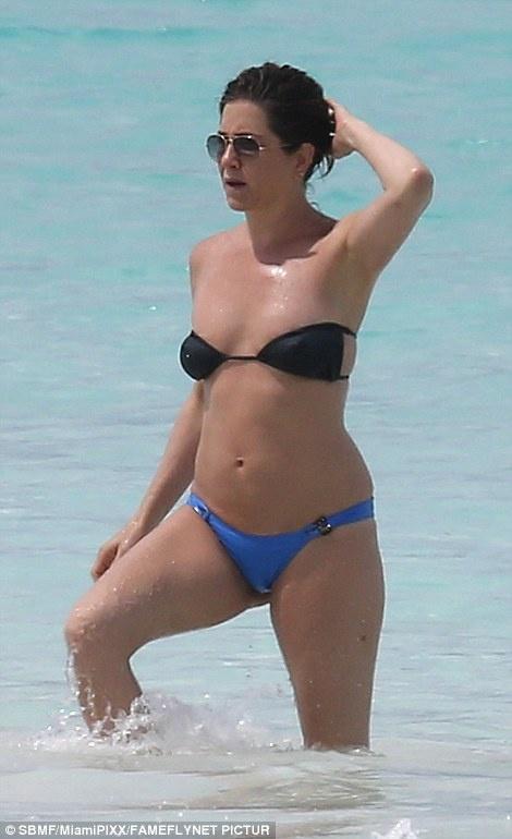 Jennifer Aniston bi nghi mang bau o tuoi 47 hinh anh 1