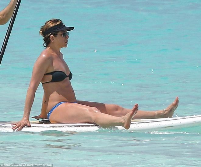 Jennifer Aniston bi nghi mang bau o tuoi 47 hinh anh