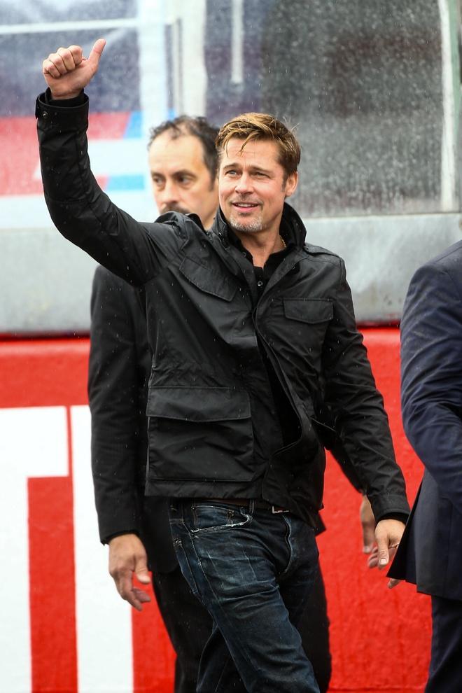 Brad Pitt dua xe mo man giai dau lau doi nhat the gioi hinh anh 7