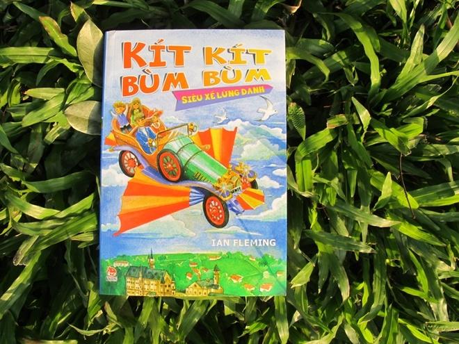 'Kit kit bum bum' -  Mon qua Ian Fleming danh tang con trai hinh anh