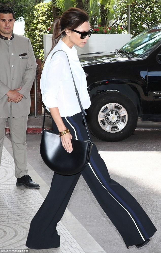 Dien style he an tuong nhu Victoria Beckham hinh anh 1