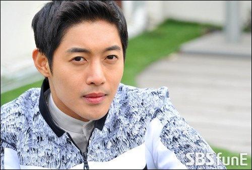 Kim Hyun Joong thua kien khi to ban gai cu tong tien hinh anh 1