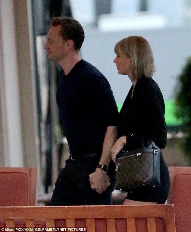 'Loki' lien tuc hon tay Taylor Swift trong bua toi hinh anh 1