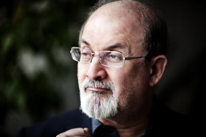 Salman Rushdie thach thuc cai chet de sang tao su huyen dieu hinh anh