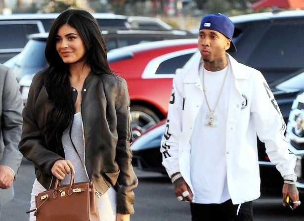 Kylie Jenner va rapper goc Viet lien tuc gap go sau tai hop hinh anh