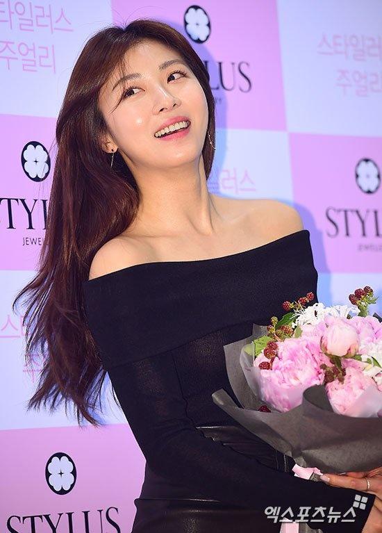 Voc dang Ha Ji Won nuot na o tuoi 38 hinh anh 4