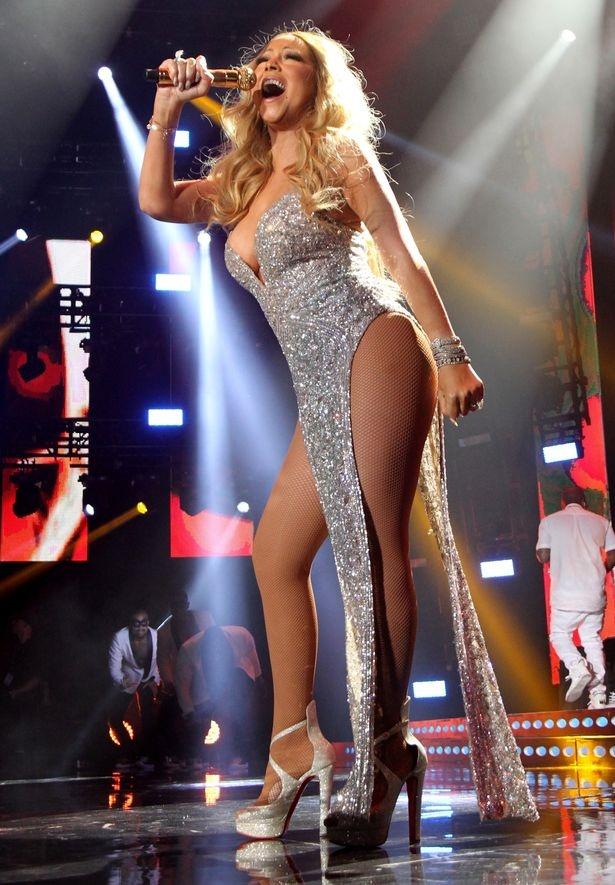 Mariah Carey dien trang phuc dien tao bao o tuoi 46 hinh anh 2
