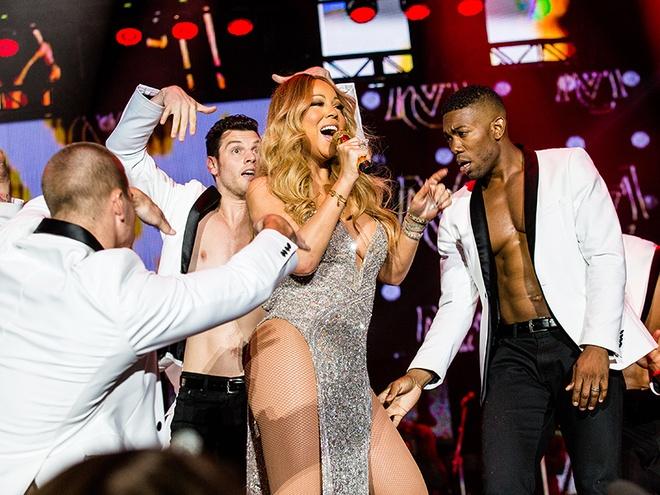 Mariah Carey dien trang phuc dien tao bao o tuoi 46 hinh anh 1