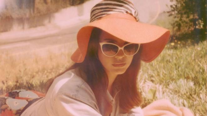 'Honeymoon' cua Lana Del Rey: Khi nang Lolita giay chet hinh anh