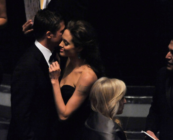 Khoanh khac dep cua Brad Pitt va Angelina Jolie trong 13 nam hinh anh 9