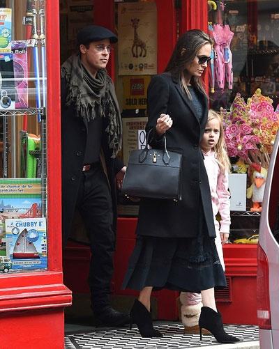 Khoanh khac dep cua Brad Pitt va Angelina Jolie trong 13 nam hinh anh 17