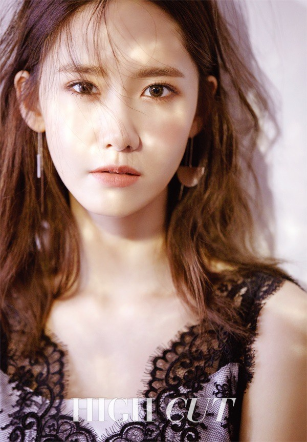 Yoona (SNSD) tre nai noi y tren tap chi hinh anh 4