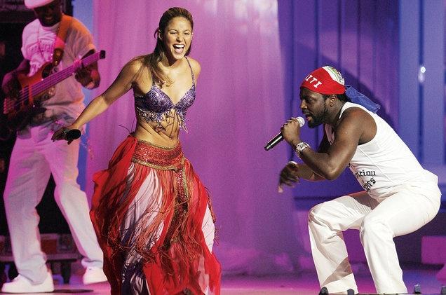 Shakira lac hong dieu nghe trong MV moi hinh anh 2