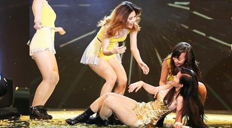 Dong Nhi – kieu nu Vpop 'xui xeo' nhat tren san khau hinh anh
