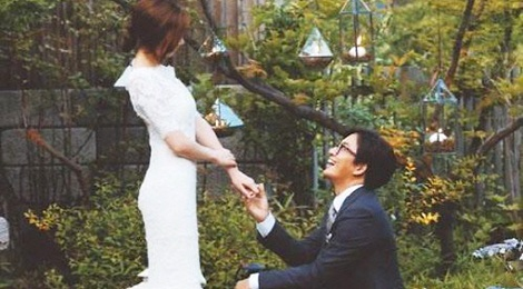 Bae Yong Joon chi boi tien dua vo bau di nghi hinh anh