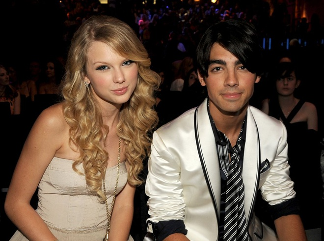 Taylor Swift nhu the nao qua loi ke cua cac tinh cu? hinh anh 1