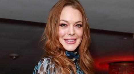 Lindsay Lohan bi to an chan tien quang cao phim hinh anh