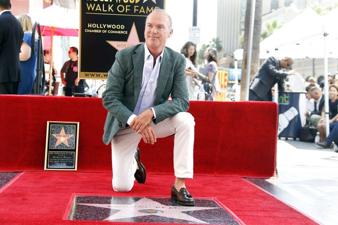 'Nguoi chim' Michael Keaton nhan sao tren dai lo danh vong hinh anh 1