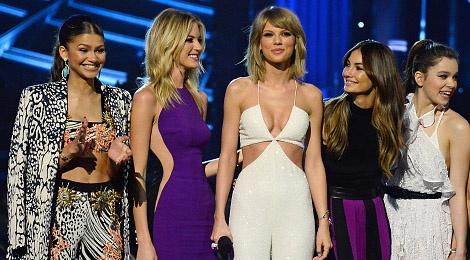 Taylor Swift 'cam' hoi ban than noi xau hinh anh