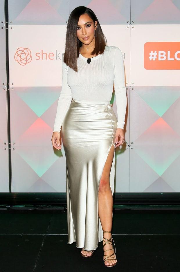 Kim Kardashian hot hoang vi bi nghi gia sinh con hinh anh 2