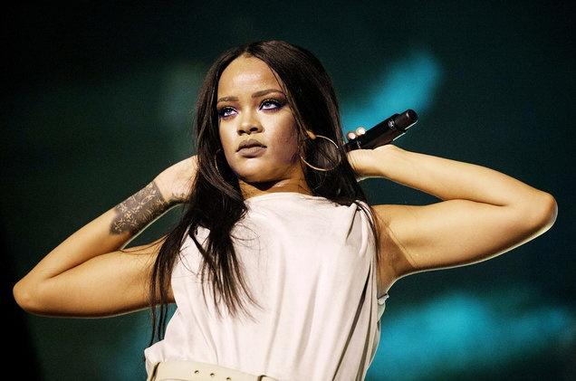Rihanna se nhan giai thuong mang ten Michael Jackson hinh anh