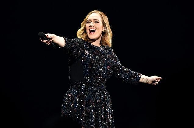 Adele tu choi bieu dien Super Bowl: 'Toi khong phai Beyonce' hinh anh