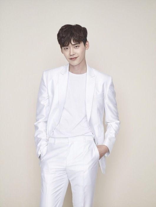 Lee Jong Suk đóng vai ác trong phim về Triều Tiên - Phim