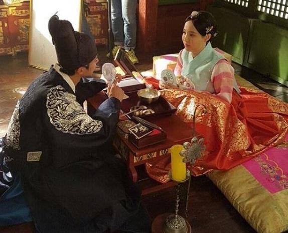 Canh hoa trang cua cong chua beo phim co trang Han hinh anh 6