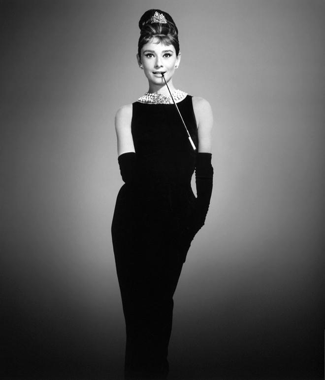 Hoc cach phoi do dang cap nhu Audrey Hepburn hinh anh 1