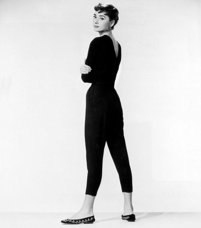 Hoc cach phoi do dang cap nhu Audrey Hepburn hinh anh 12