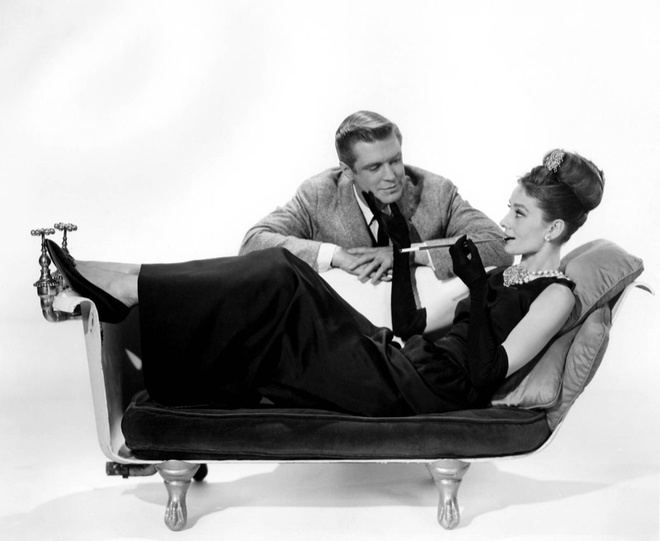 Hoc cach phoi do dang cap nhu Audrey Hepburn hinh anh 2