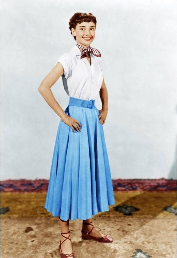 Hoc cach phoi do dang cap nhu Audrey Hepburn hinh anh 3