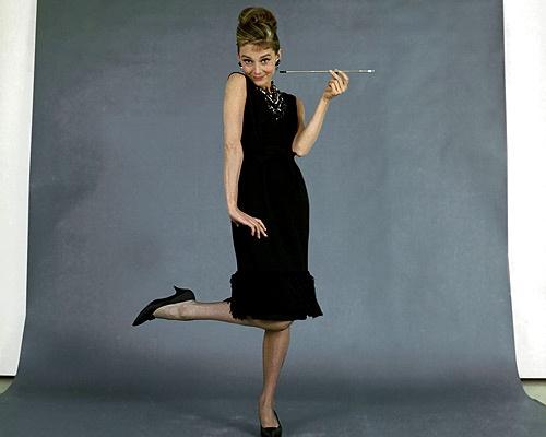 Hoc cach phoi do dang cap nhu Audrey Hepburn hinh anh 6