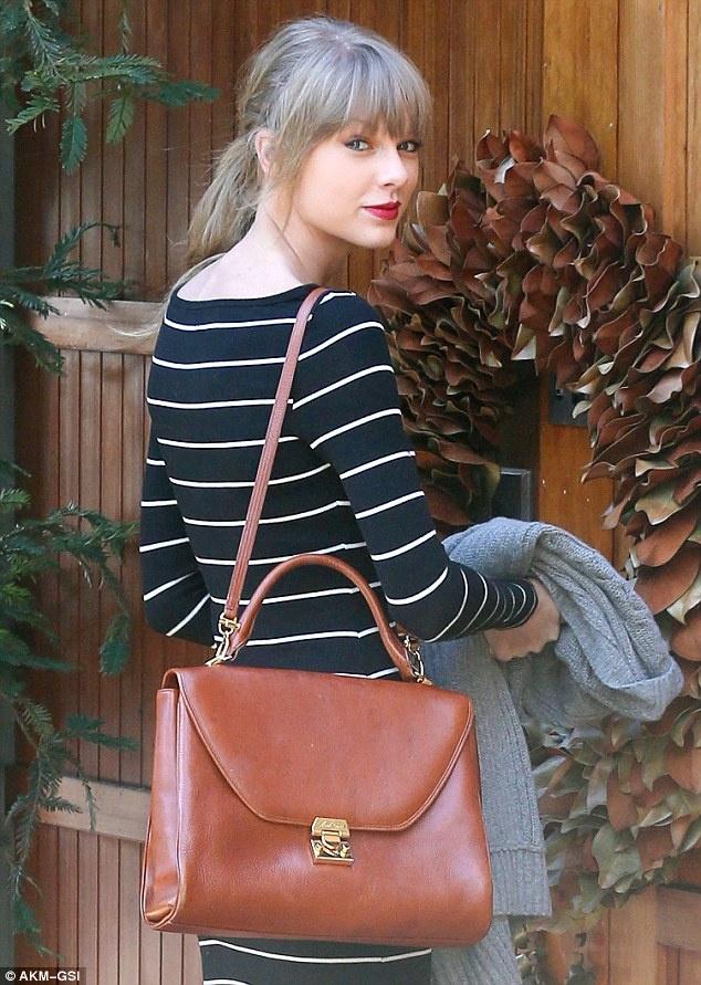 Taylor Swift giu hinh anh vui ve sau khi chia tay ban trai hinh anh 6