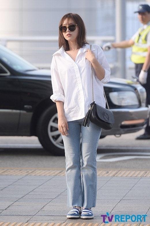 'Trung uy' Kim Ji Won xinh xan du chan kem thon hinh anh 8