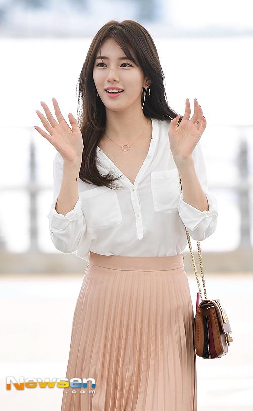 Jun Ji Hyun va Suzy do thoi trang sanh dieu o san bay hinh anh 5