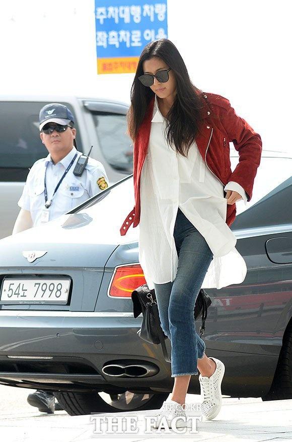Jun Ji Hyun va Suzy do thoi trang sanh dieu o san bay hinh anh 1