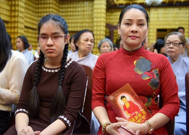Ca si Dong Dao cung 100 nguoi cau an cho Minh Thuan hinh anh 2